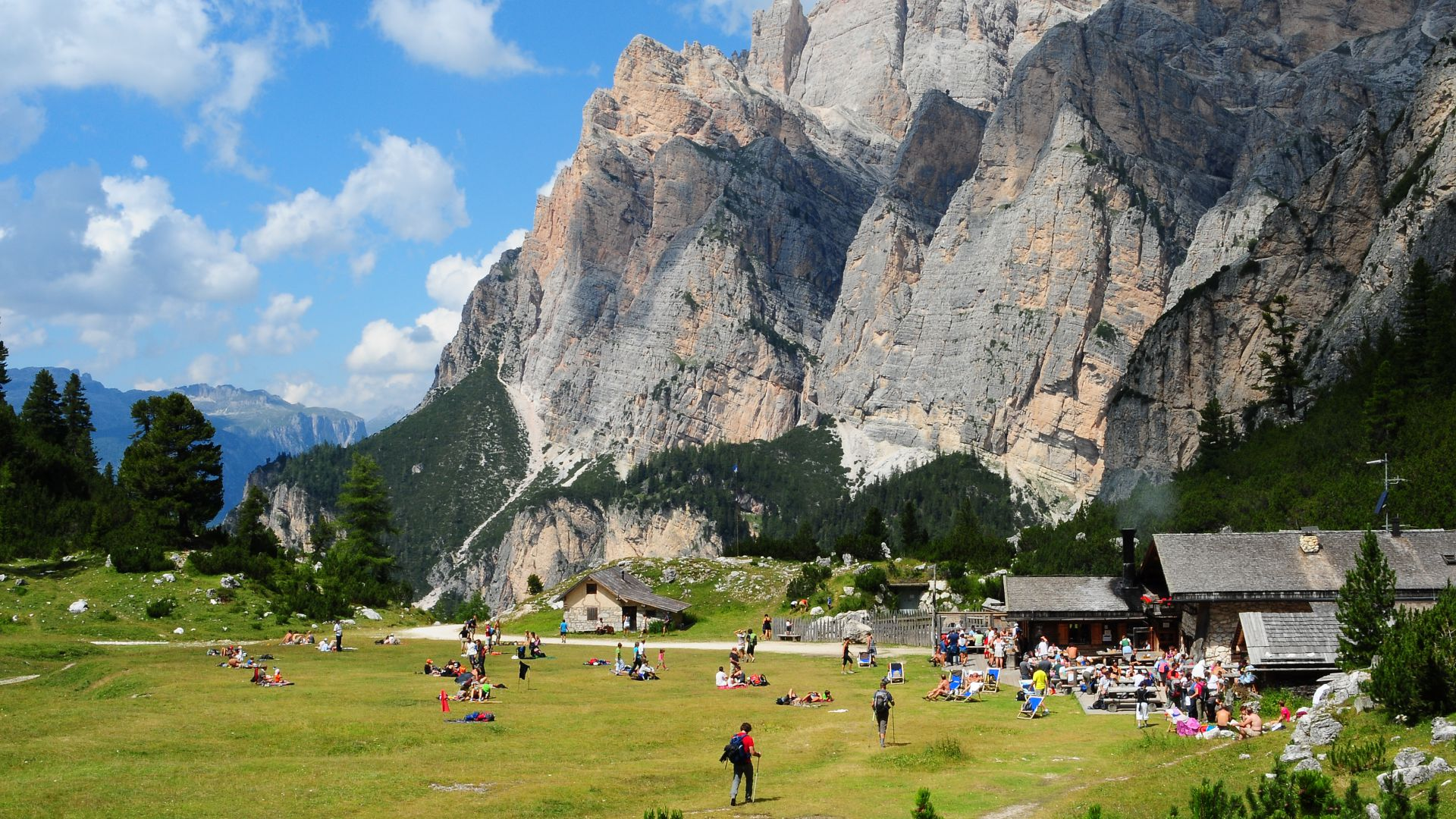 Image: Mountain Hut Scotoni in Alta Badia